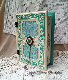 old vintage book box, shabby chic, victorian, antique box by Adisa Lisovac Decoupage Decoupage Tutorial, Decoupage Art, Antique Boxes, Antique Items, Decorative Wooden Boxes, Shabby Chic Boxes, Diy Crafts Vintage, Glue Book, Diy Notebook