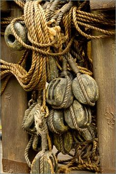 An old rope and wooden block pulleys of an old pirate ship. Watercraft picture by Derejeb. Homemade Pirate Costumes, Peter And The Starcatcher, Pirate Crafts, Wooden Ship, Wooden Blocks, Boat Building, Tall Ships, Pulley, Water Crafts