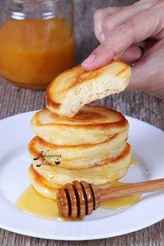 Thick pancakes are really tasty food for Russian tea. Unique Recipes, My Recipes, Cooking Recipes, Favorite Recipes, Sweets Recipes, Ukrainian Recipes, Russian Recipes, Crepes And Waffles, Winter Food