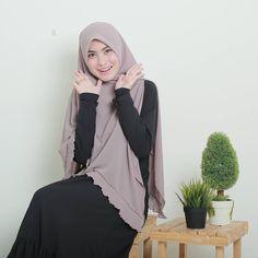 Abaya Fashion, Muslim Fashion, Hijab Tutorial, Batik Dress, Beautiful Hijab, Pashmina Scarf, Amazing Photography, Designer Dresses, Islam