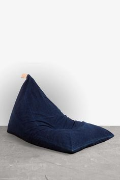 Bean Bag -Mid Denim with natural leather handle