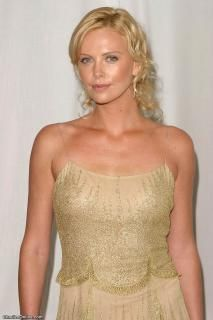 Charlize Theron Oscars, Mighty Joe, Atomic Blonde, Girls Rules, Hollywood Actresses, Beautiful Actresses, Mannequin, Dior, Pretty Woman