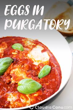 These Eggs in Purgatory are a quick and easy dish ideal for breakfast or brunch. It's ready in less than 30 minutes and it's naturally gluten-free. Healthy Brunch, Healthy Breakfast Recipes, Brunch Recipes, Vegetarian Recipes, Dinner Recipes, Healthy Eating, Healthy Recipes, Dairy Free Recipes, Egg Recipes