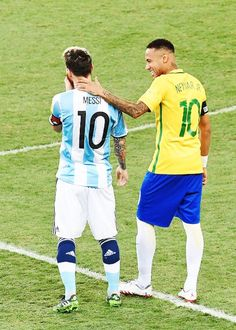 Messi e Neymar - Brasil x Argentina. THIS PICTURE SAYS MORE THAN 10000 WORDS <3 <3