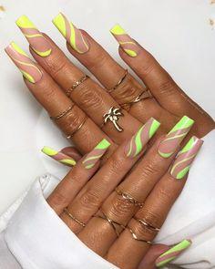 Nail Design Stiletto, Nail Design Glitter, Drip Nails, Glow Nails, Long Square Acrylic Nails, Best Acrylic Nails, Cute Nails, Pretty Nails, Tapered Square Nails