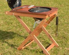Ardent Goods Short Order Cook prep and grilling table for the Weber Smokey Joe Diy Outdoor Kitchen, Backyard Kitchen, Outdoor Cooking, Barbecue Design, Barbecue Grill, Grilling, Grill Stand, Grill Cart, Weber Bbq