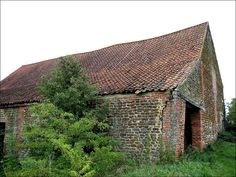 DISUSED NORFOLK BARN WITH CATSLIDE by Norfolkboy1, via Flickr