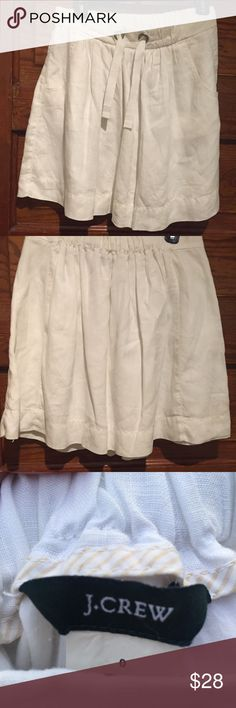 JCrew Linen skirt This is a great linen, lined skirt. Great condition It would be great for weekend beach trip. For a cool night pair it with a cardigan. #nofilter JCrew Skirts Midi