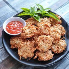 20 Resep camilan rumahan paling enak istimewa Raw Food Recipes, Snack Recipes, Cooking Recipes, Healthy Recipes, Snacks, Cake Recipes, Brownie Recipes, Indonesian Desserts, Asian Desserts
