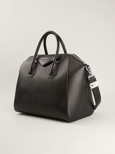 #givenchy #antigona #tote #bag #black #woman #fashion #style www.jofre.eu
