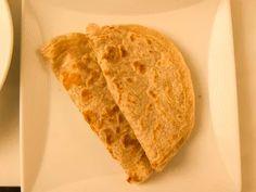 Enjoy Indian Cuisine With Besan Ki Roti (Bengal Gram Flour Flatbread) Flatbread Recipes, Paratha Recipes, Gram Flour, Curry Dishes, Indian Dishes, Indian Food Recipes, Veggie Recipes, Vegan Vegetarian, Easy Meals