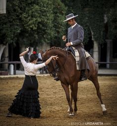 BAILAORA | By @EnriqueUrdaneta  Tag your friends who love flamenco sevillanas & horses