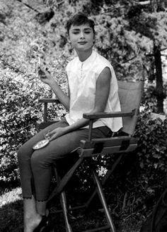 Audrey Hepburn, one of the reasons I am slightly obsessed with oversized button ups and skinny jeans