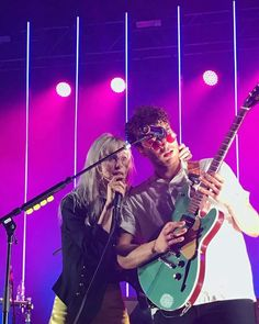 Taylor York Hayley williams Paramore TourOne 2017