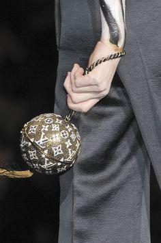 highqualityfashion:   Louis Vuitton SS 11 details