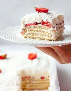 Ciasto Raffaello z truskawkami