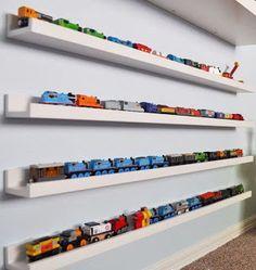 Erkek Çocuk Odasında Raf Dekorasyon Fikirleri - Neşeli Süs Evim - Ücretsiz Doğum Günü Süsleri