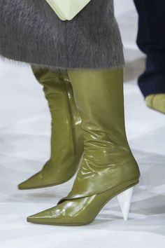Giada at Milan Fashion Week Fall 2017 - Details Runway Photos Leather Fashion, Fashion Boots, Milan Fashion, Walk In My Shoes, Me Too Shoes, Stylish Winter Boots, Green Ankle Boots, Espadrilles, Shoes Heels
