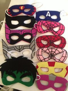 Felt superhero masks Superman, Superhero Birthday Party, Boy Birthday, Mardi Gras, Sewing Crafts, Sewing Projects, Felt Mask, Sewing For Kids, Felt Crafts