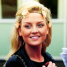 perrie can you just like give me your clothes and your face and your hair maybe