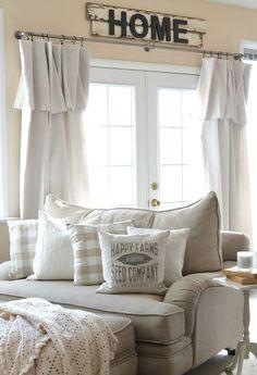 Cozy Farmhouse Style Living Room Decor Ideas (14)