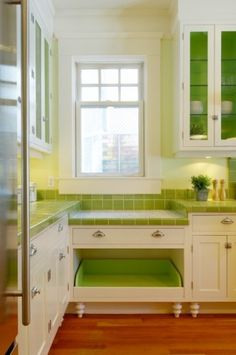 """Built-in Dog bed in a colorful cute kitchen"""" data-componentType=""""MODAL_PIN Home Design, Interior Design, Bed Design, Design Ideas, Design Trends, Cute Kitchen, Green Kitchen, Kitchen Ideas, Kitchen Corner"""