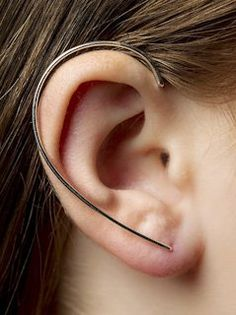 VIBE HARSLØF - Silver Ear Cuff - G-EB SILVER - H. Lorenzo (ACTUALLY A PIERCED STYLE, but shape is great)
