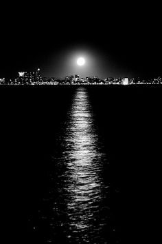moon over Melbourne...wish I was there!