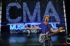 Hunter Hayes - This kid is very talented - 2013 CMA Fest