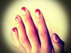 diseño uñas sangrando, mis favoritas! n_n xD Halloween, noche de terror, evil dead.