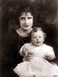 British Royalty H.R.H. the Duchess of York with her baby daughter Princess Elizabeth (Queen Elizabeth II) in 1926.