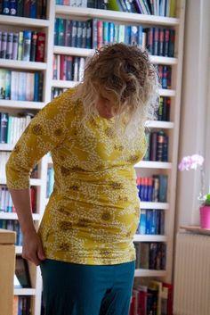 Schwangerschafts-Shirt, das mit wächst