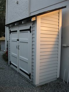 Traditional Garage And Shed storage Design Ideas, Pictures, Remodel and Decor