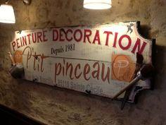 créations personnalisées uniques, pour des cadeaux originaux pas chers . cadres ,tableaux, enseigne en bois peint suivant des méthodes artisanales anciennes