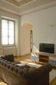 Living room #Chesterfield #wood #Artemide #MicroTolomeo #interiordesign
