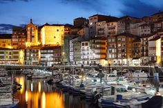 Bermeo al atardecer. Bizkaia. Bermeo at sunset. Biscay. Basque Country