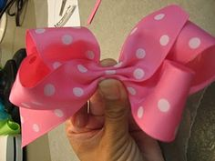 Hair bow tutorial. This is my favorite style of bow @Sue Brown
