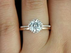 Gorgeous 56 Simple Engagement Ring for Girls Who Love https://bitecloth.com/2017/10/03/56-simple-engagement-ring-girls-love/
