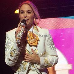"""golucero_: """"@luceromexico  Ya estan los videos del Concierto de Lucero en #Chile en mi canal de YouTube > youtube.com/GoLucero por si los quieren ver  #Lucero #Concierto #LuceroEnChile #Cantante #Singer #Mariachi #Pop"""""""