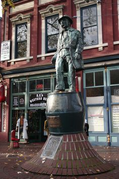 Statue of Gassy Jack Deighton -- Gastown, Vancouver, BC.
