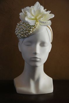 Items similar to White bridal wedding fascinator hat for women with peal glass beads on Etsy Bridal Fascinator, Wedding Fascinators, Fascinator Hats, Bridal Headpieces, White Fascinator, Crazy Hat Day, Crazy Hats, Silly Hats, Fancy Hats
