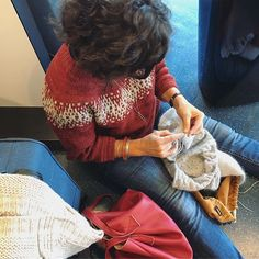 Yes never mind a delayed plane when we have knitting do we?!  . . #knittersofinstagram #knitting_inspiration #knitters #knittinglove #instaknits #igknitters #loveknitting #knittersoftheworld #ravelry #knittingaddict #knitstagram #yarnlove #knittinginspiration #knitting #loveknitting #trulymyrtle #trulymyrtledesigns