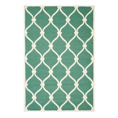 Das richtige Bodenkleid sorgt gerade in der kalten Jahreszeit für eine geschmackvolle und wohnliche Note. Mit seinem Trellis-Muster ist dieser handgefertigt...