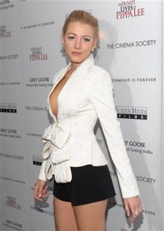 Not many people could pull this off... def a fashion risk? What do you think, hit or miss? #blakelively #socialblissstyle