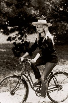 Hot wheels: Brigitte #Bardot in the new book 'Old Hollywood On Handlebars' #cycling