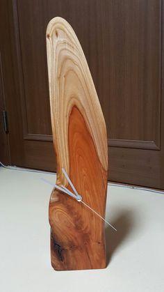 Mantel Clocks, Wood Clocks, Wood Lamps, Stone Crafts, Wood Crafts, Wooden Tie, Wall Clock Design, Diy Clock, Live Edge Wood