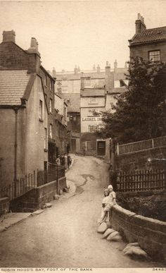 Robin Hoods Bay 1924 Vintage Pictures, Old Pictures, Old Photos, Robin Hoods Bay, England Ireland, Northern England, Old Street, Old London, North Yorkshire