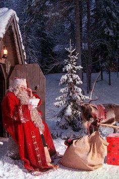 Santa and Reindeer Merry Christmas, Christmas Love, A Christmas Story, Christmas Pictures, Beautiful Christmas, Winter Christmas, All Things Christmas, Vintage Christmas, Father Christmas