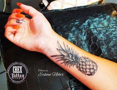 ugh i want a pineapple tattoo so bad. they are super cute. Black Ink Tattoos, Wolf Tattoos, Body Art Tattoos, New Tattoos, Sleeve Tattoos, Tatoos, Movie Tattoos, Trendy Tattoos, Small Tattoos