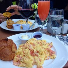 Goldie lox & five flowers mimosa @ Sarabeth's Central Park South, NYC.